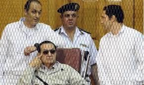 محکومیت مبارک و پسرانش در پرونده اختلاس قصرها توسط دادگاه جنایی قاهره