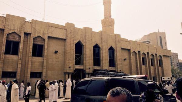 58b4b21e 44b0 4979 b729 286ab7e94c7a 16x9 600x338 - ۲۹ نفر در رابطه با انفجار مرگبار مسجد کویت دستگیر شدند