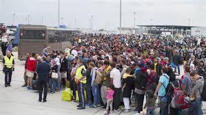 image - مرکل، سیاست درهای بسته اروپا به روی مسلمانان را محکوم کرد