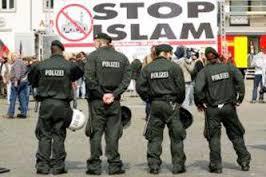 8587743292239896520589202011 - اسلامهراسی پلیسهای مسلمان آمریکایی را هم هدف گرفته است.