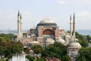 7f93440d5e6158ed4e0014fafed746b4 M - پس از ۸۵ سال تلاوت قرآن کریم درمسجد ایاصوفیه استانبول طنین انداز شد