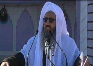 molana abdolhamid 300x215 300x215 - مولانا عبدالحمید:انسان عاقل زندگی دنیا را فرصت آمادگی برای آخرت میداند