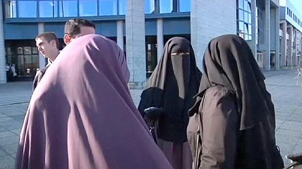 606x340 272594 - پوشش اسلامی نقاب در بلغارستان هم ممنوع شد
