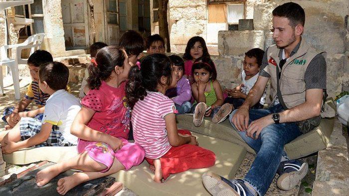 thumbs b c 9eaca1873ebda9dba0f47b9630d148e3 - یتیم شدن ۶۰۰ هزار کودک در اثر جنگ سوریه