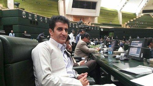 moradi - نماینده مریوان در مجلس: استفاده از نخبگان اهل سنت به عنوان فرصت گرانقدر مدنظر دولت باشد