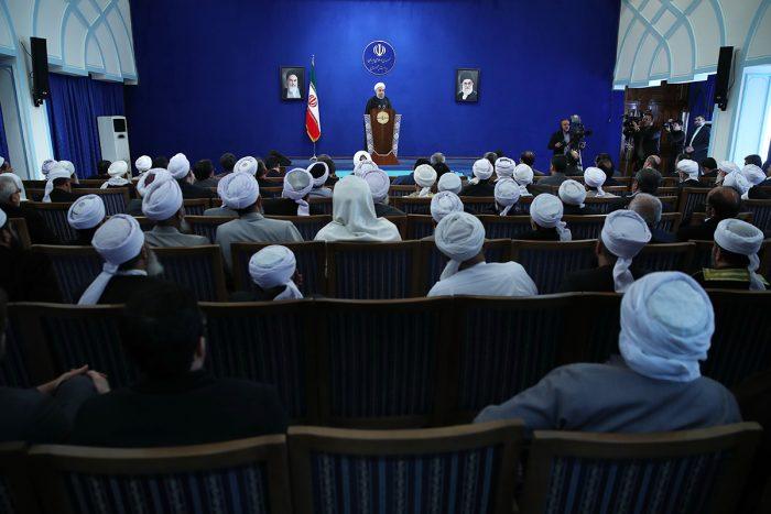 148144773674987500 - رئیس جمهور : تنوع اقوام و مذاهب تهدید نیست؛ بلکه فرصتی بزرگ برای وحدت و توسعه ملی است